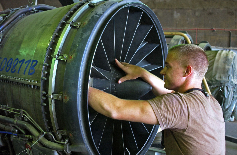 Aircraft Mechanic top five college