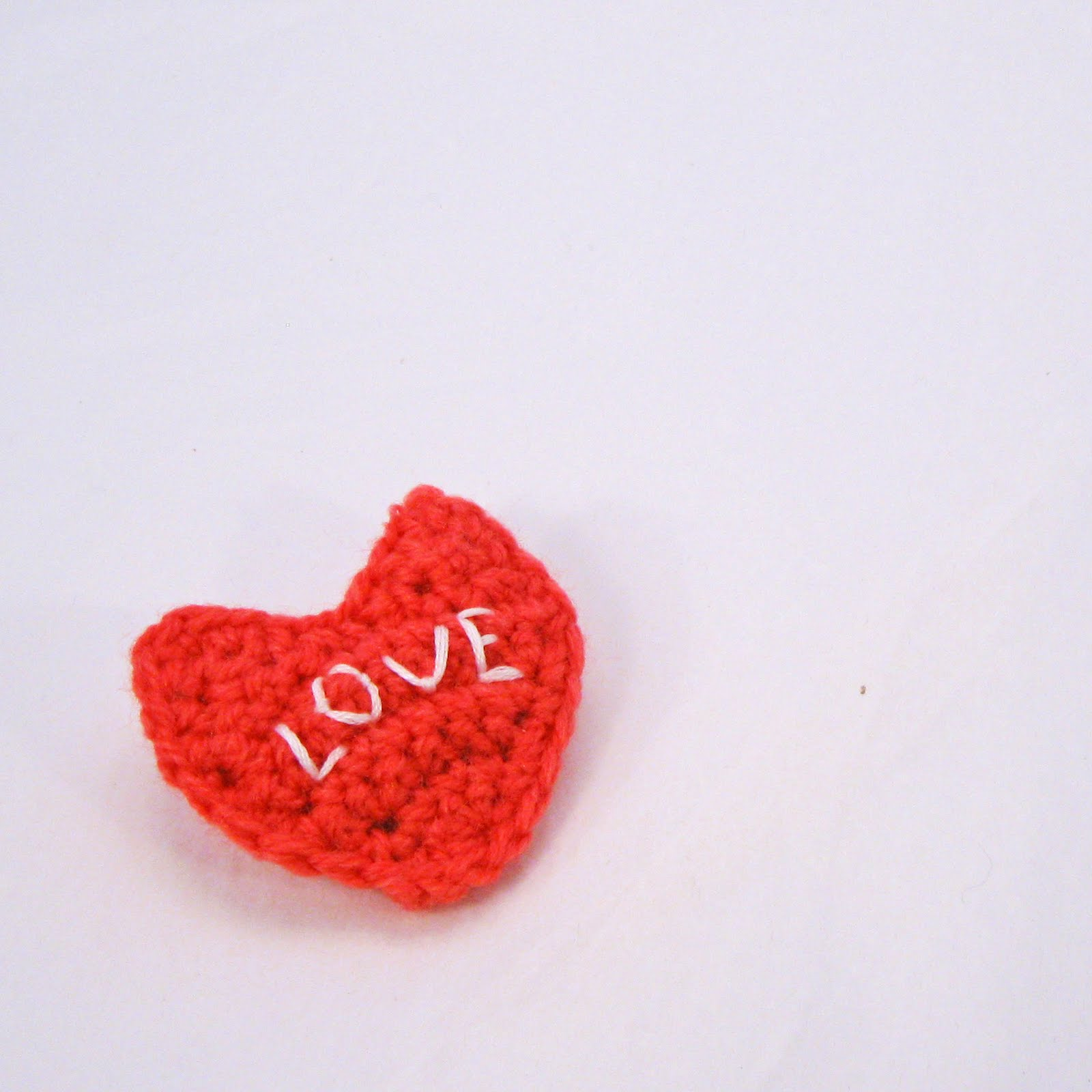 Hearts and cards to knit and crochet for Valentine's Day