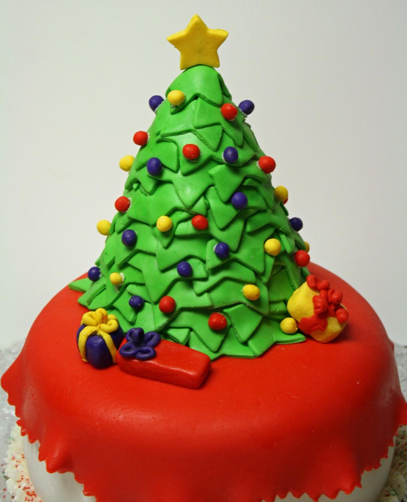 Images Of Christmas Tree Cake : Silhouette -     Decors de gateaux avec les feuilles de ...