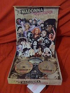 Madonna Boxset Collection  - Página 6 Celebration+Box+Set+Inside