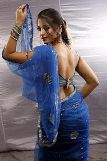 Anushka Hot Saree photos from Vaanam movie