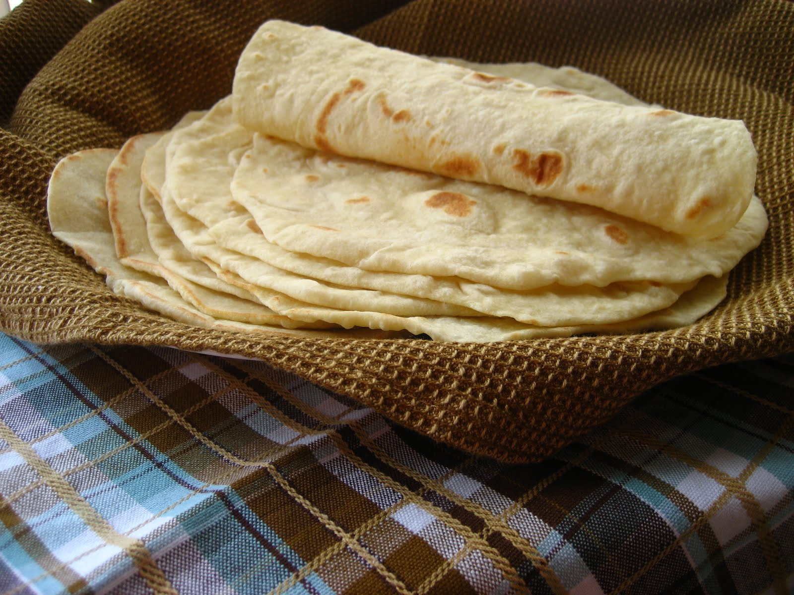 Home Cooking In Montana: Flour Tortillas with leavening...the best I ...