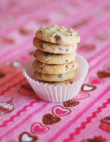 delicious inspiration.: Mini Chocolate Chip Shortbread Cookies.
