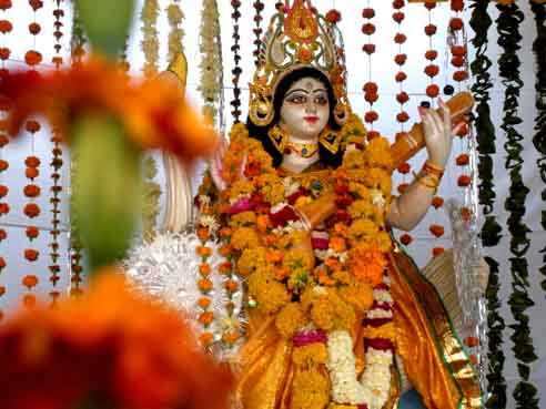 saraswati puja essay in bengali Vasant panchami in west bengal is a popular saraswati puja as the ceremony is popularly called in bengal has evolved from prayers to an event enjoyed by the.
