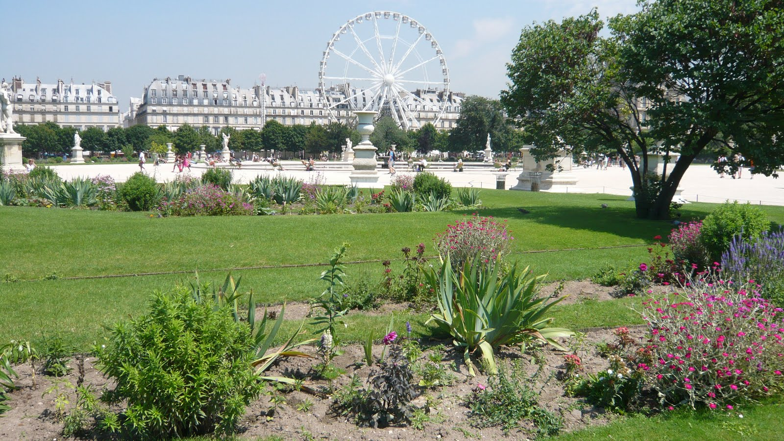 Ma poussette paris fl nerie royale au jardin des tuileries for Au jardin des tuileries