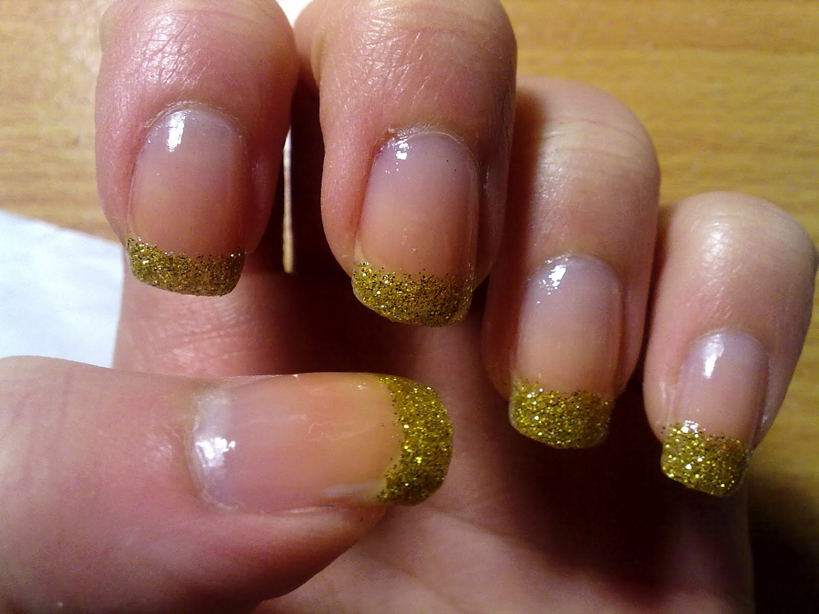 claras beauty blog gold glitter tip nails