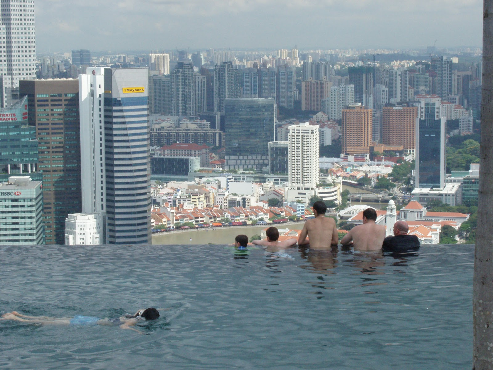Indonesian in england not swimming in singapore s - Rooftop swimming pool in singapore ...