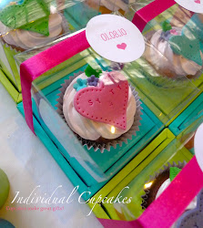Cupcakes make great gifts!