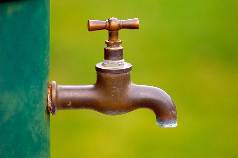 [800px-Brass_water_tap-799453.jpg]