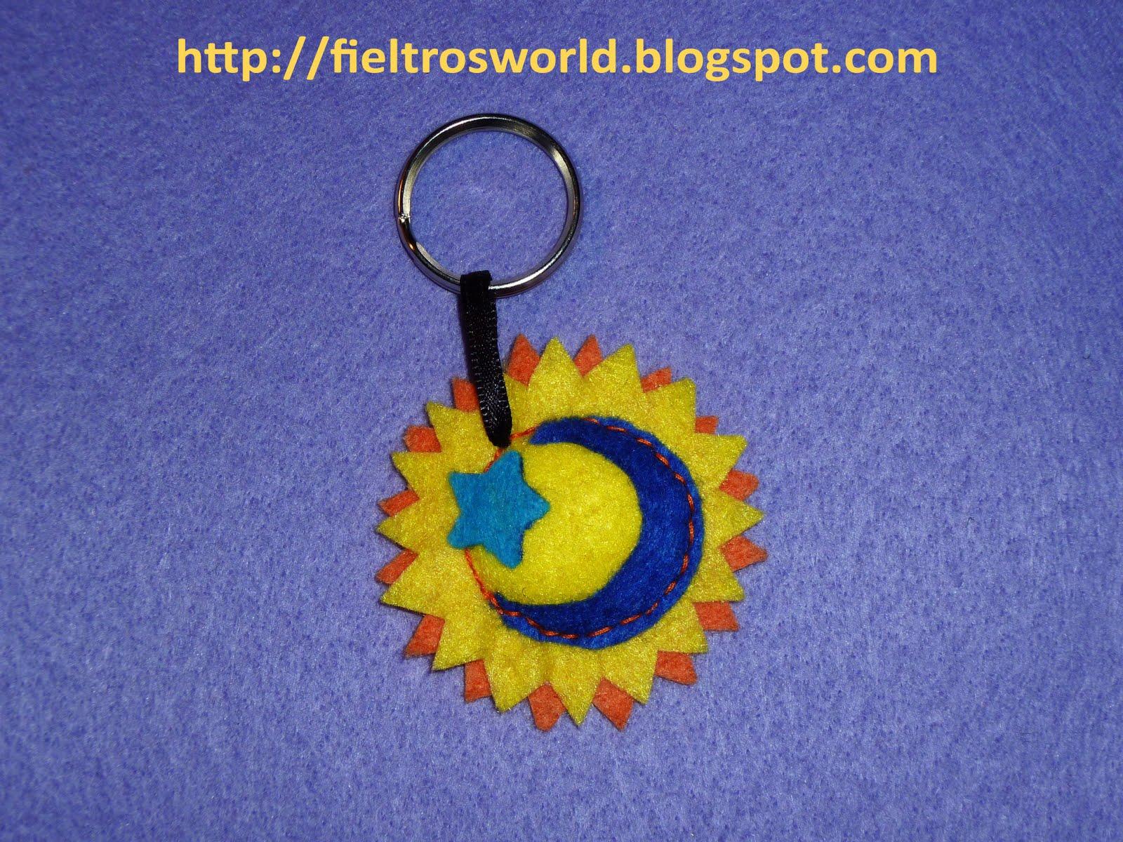 Fieltro's World: Llavero Sol-Luna