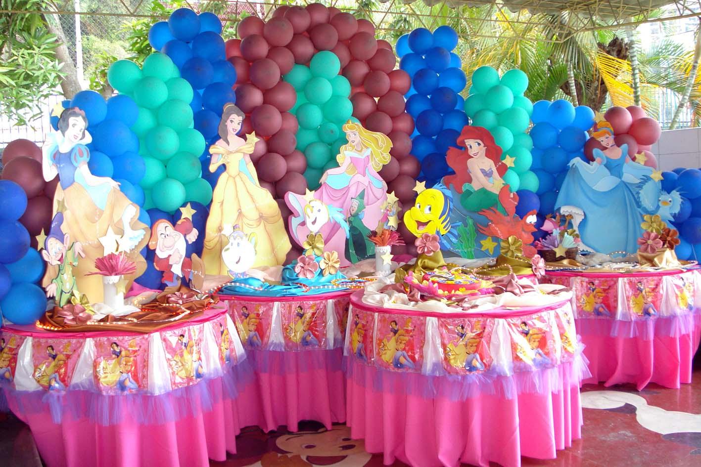 Mesas decoradas para fiestas infantiles princesas imagui for Mesas decoradas para fiestas