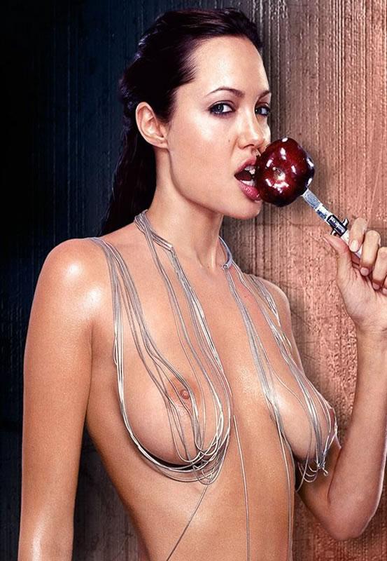 Angelina Jolie Pelada