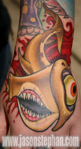 KRIS' HAMMERHEAD SHARK TATTOO. Posted by Jason Stephan at 2:25 PM 0 comments