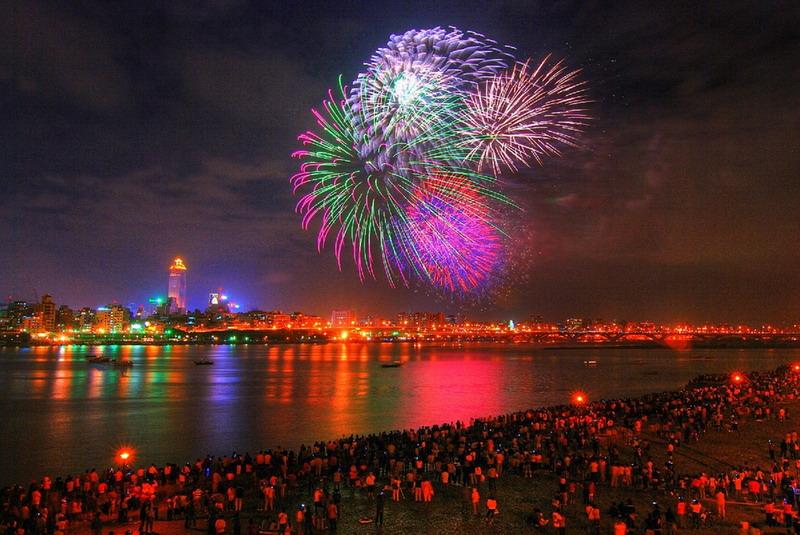 [fireworks-show-02.jpg]