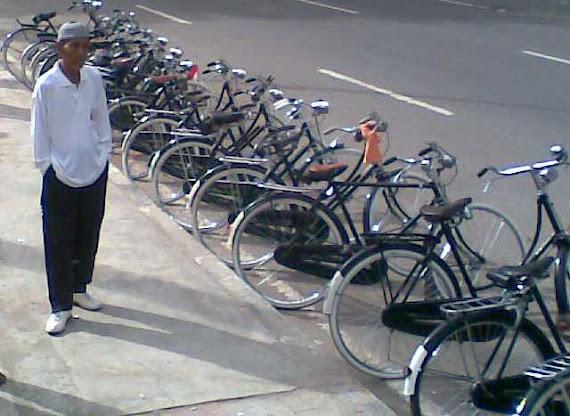 Sepeda Tua Agam Tuo