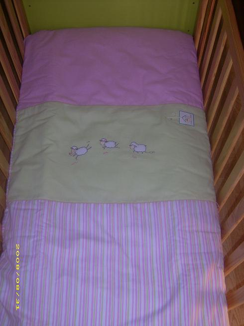 Quarto d 39 encantar edredon cama grades ovelha pv for Cama 60x120