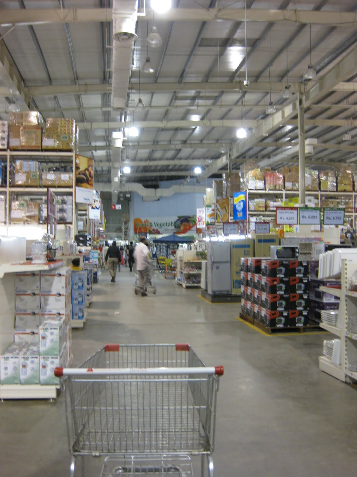 Makro Shopping Mall