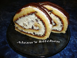 Articole culinare : Rulada cu crema de vanilie