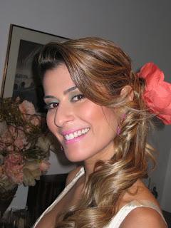4 Flor no cabelo...!