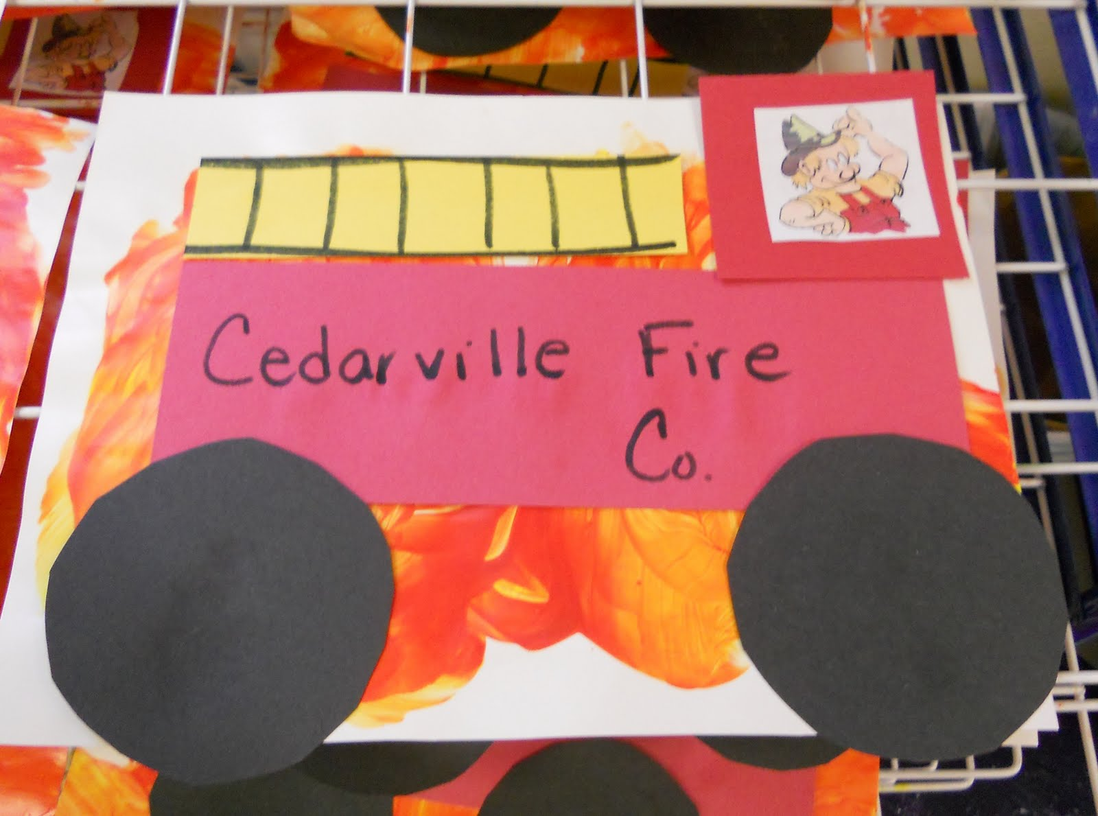 Fire Truck Craft Preschool http://www.preschoolplaybook.com/2010/10/fun-with-fire-safety.html