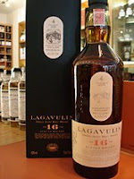 lagavulin 16 years old bottle