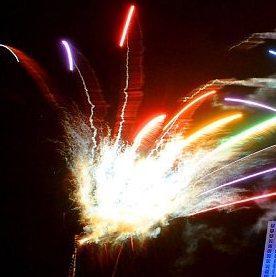 pesta kembang api besar