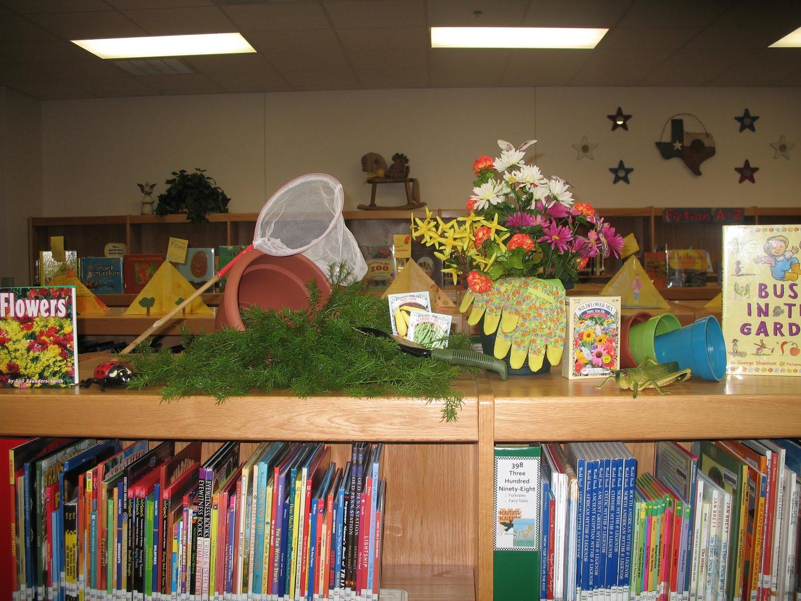 Taylor library blog gardening display for Garden display ideas