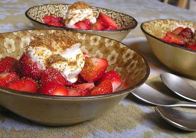 Strawberries with Sour Cream & Sucanat (Brown Sugar)