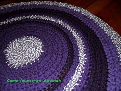 Alfombra en tonos violetas