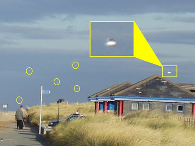 UFO Over North Wales Objects Emphasized