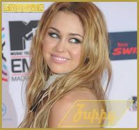 "A ""ex-comportadinha"" Miley Cyrus empurra a agenda homossexual"