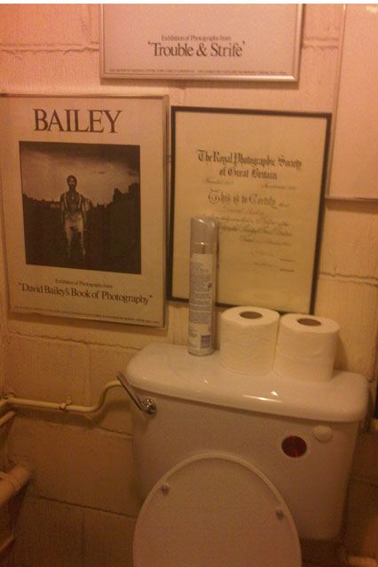 [david+bailey's+toilet.jpg]