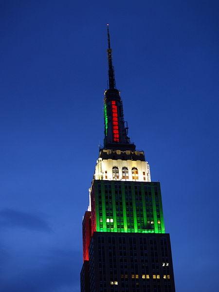 http://4.bp.blogspot.com/_PYwK77c85fA/S__KTozcPWI/AAAAAAAAAH0/tp_QAvVv9f0/s1600/Empire_State_Building_Red_and_Green.jpg