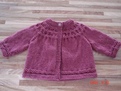 Knitting Pattern For Baby Seamless Yoked Sweater : FREE KNITTING PATTERNS SEAMLESS BABY SWEATER   KNITTING PATTERN