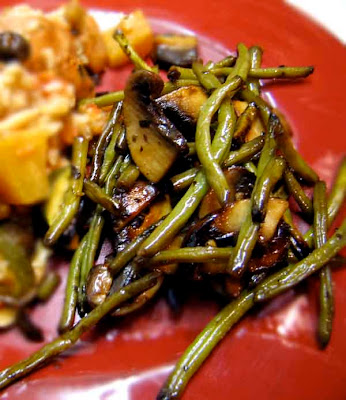 Pomegranate Glazed Green Beans &amp; Portobellos