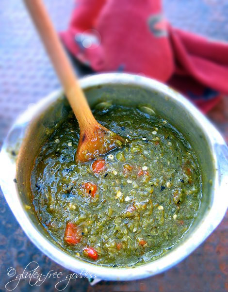 Vegetarian roasted green chile sauce