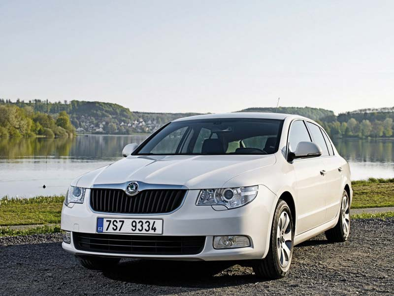 great car picture 2010 skoda superb greenline. Black Bedroom Furniture Sets. Home Design Ideas