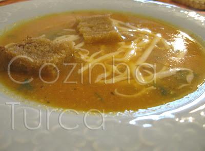 Sopa de Tomate e Aipo com Cravo-da-índia (Domates Çorbası)
