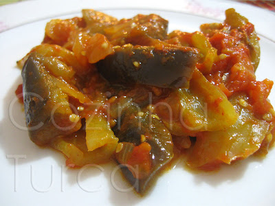 Salteado de Beringela (Zeytinyağlı Patlıcan)