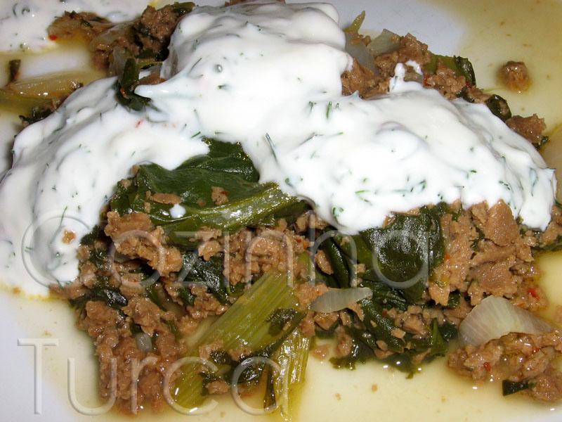 Estufado de Acelgas com Carne Picada (Pazı Kavurması)