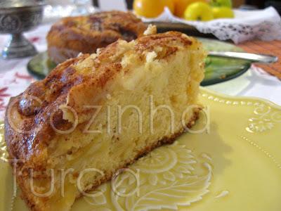 Bolo de Maçã e Canela (Elmalı Tarçınlı Kek)