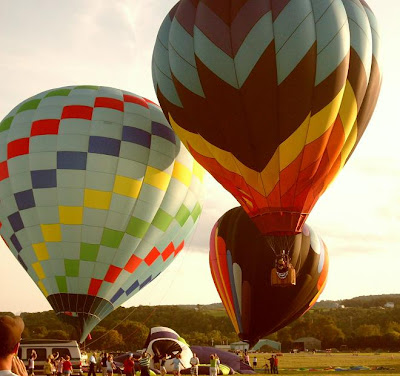 balloonists vie for airspace