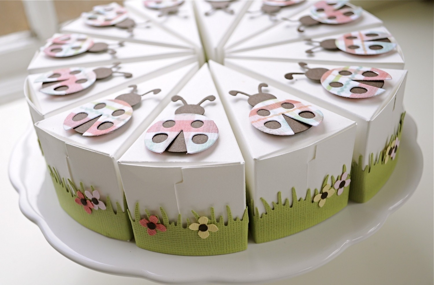 how to make a cake box out of paper