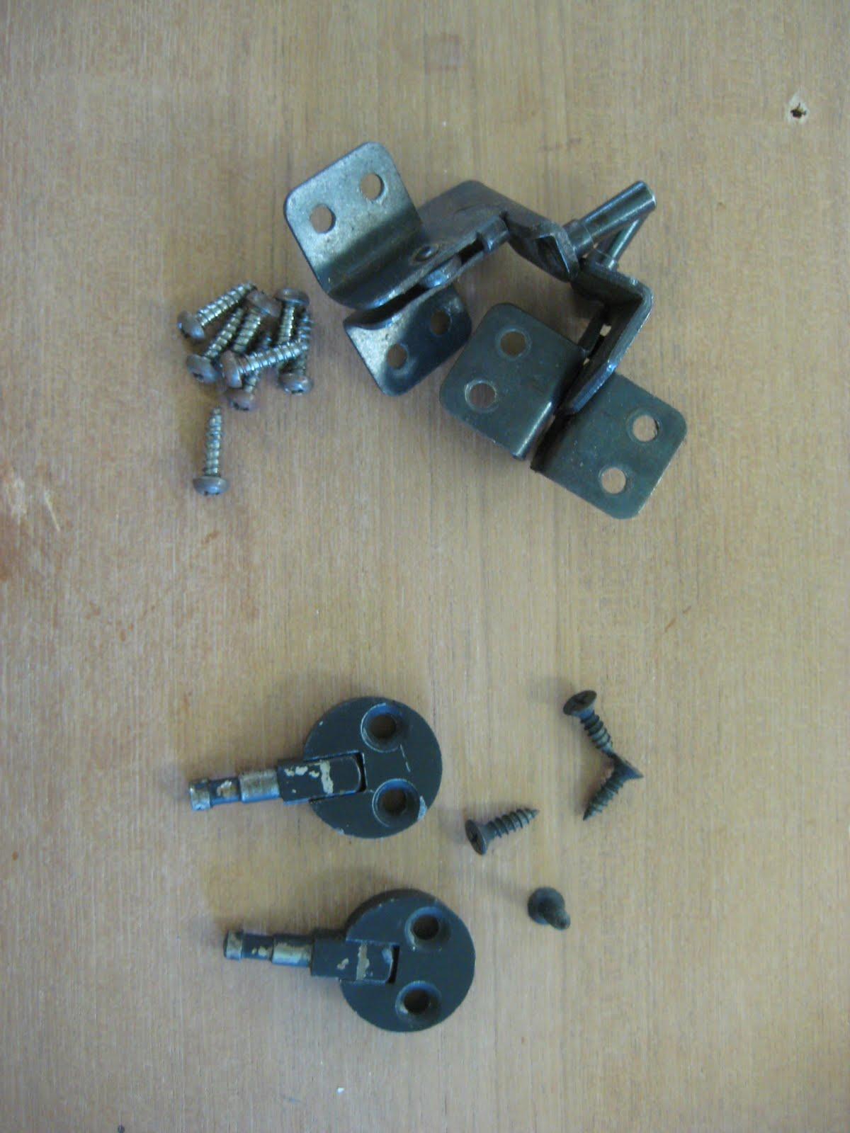 Hi, It's Terri ...: Sewing Machine Cabinet for my Singer 185J