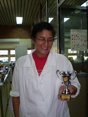 El primer premio de la miel oscura en Macia 2008