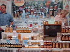 Miel Morelia mostrando la variedad de productos