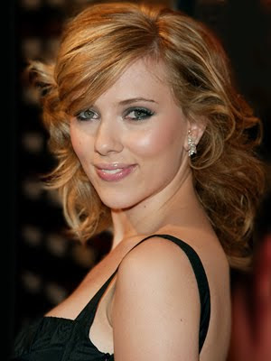 Sexy Scarlett Johansson Hairstyle Pictures