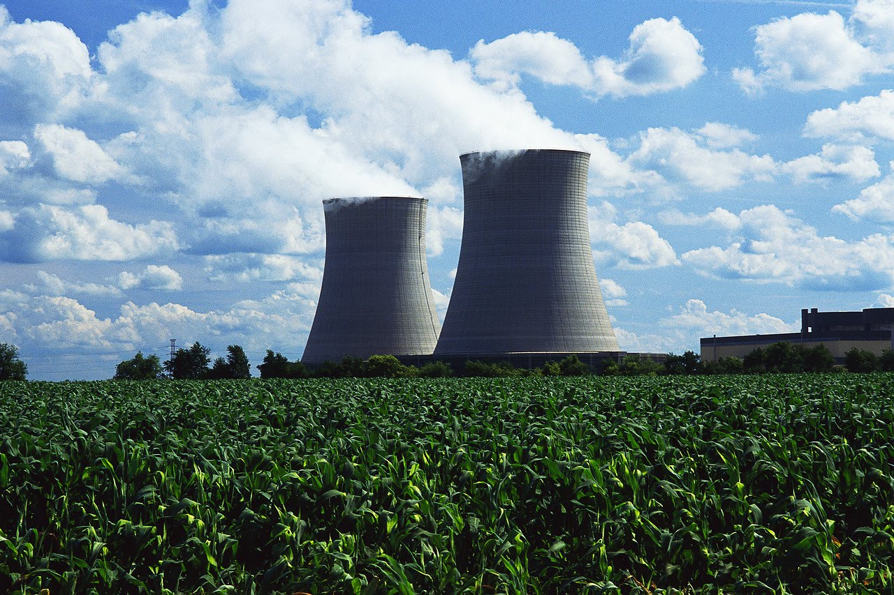 an analysis of the nuclear power debate Energy debate: nuclear power nuclear power has been a topic of discussion for many decades analysis 'porphyria's lover' by robert browning: analysis.