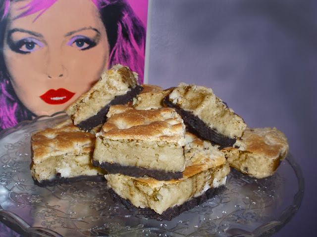 Atomic Blondies: white chocolate brownie with chocolate cookie crust