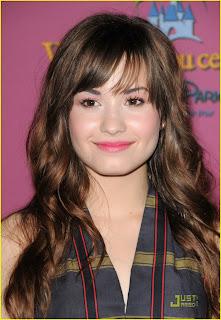 Demi Lovato Profile on Secret Stars Fotos Da Demi Lovato E Selena Gomez
